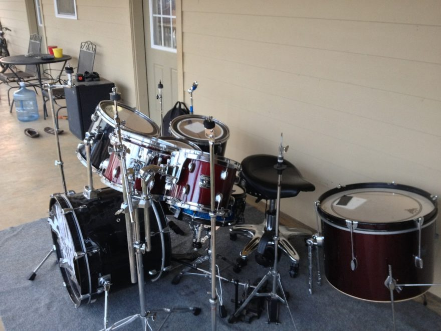 cheap ways to soundproof a room for drums soundproofing dude. Black Bedroom Furniture Sets. Home Design Ideas
